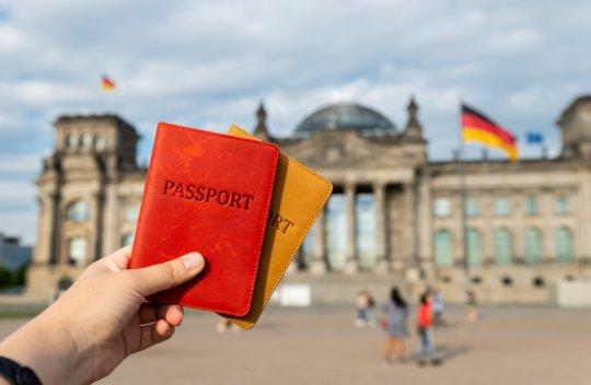 Almanya'ya Nasıl Vize Alınır?